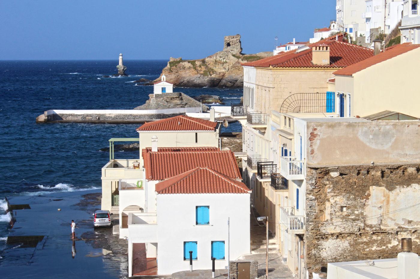 Grecia Cicladi Andros case molo