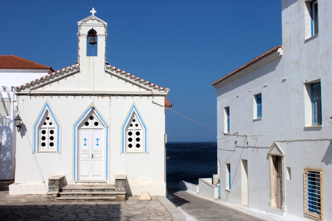 Grecia Cicladi Andros chiesa