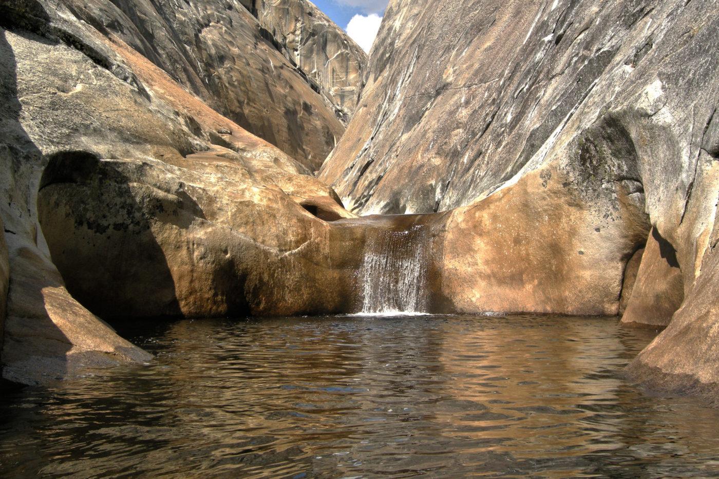 Cascata Lago Granito Trekking Yosemite California