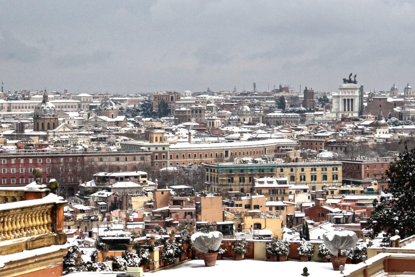 roma con la neve vista dei tetti dal gianicolo